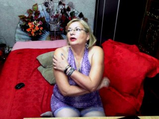hairy Sex Cam hottykrissy69 is 42 years old. Speaks english, french. Lives in tirol