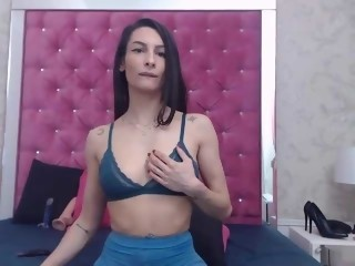 Sex Cam caramellcrush is 31 years old. Speaks english, spanish. Lives in