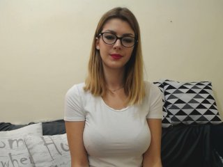 white Sex Cam lillasmart is 18 years old. Speaks english, . Lives in