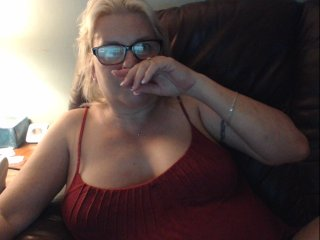 white Sex Cam hothoney4u is 46 years old. Speaks english, . Lives in tampa