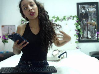 shaved Sex Cam paulinatrejos is 19 years old. Speaks english, spanish. Lives in medellin