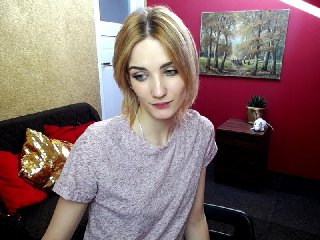 shaved Sex Cam lovellylena is 20 years old. Speaks english, . Lives in