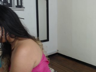 brunette violetburning is 33 years old. Speaks english, spanish. Lives in bogota