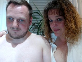 couple Sex Cam sweetcpl2k19 is 40 years old. Speaks english, . Lives in