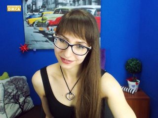 white Sex Cam simi78 is 22 years old. Speaks english, . Lives in