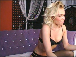 white Sex Cam anneliz is 24 years old. Speaks english, . Lives in