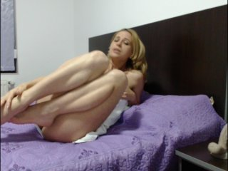 white Sex Cam madyqueen is 35 years old. Speaks english, . Lives in