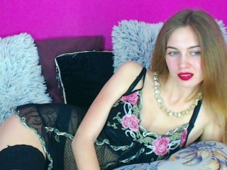 shaved Sex Cam winonamia is 18 years old. Speaks english, . Lives in