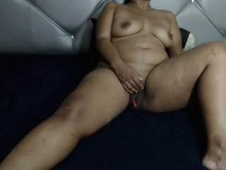 brunette akiraebonyxxx is 35 years old. Speaks english, . Lives in