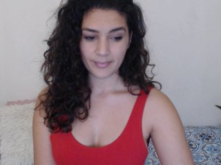 white Sex Cam canellha is 23 years old. Speaks english, . Lives in